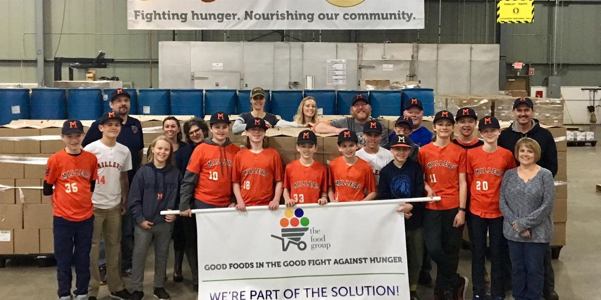youth baseball team fundraises