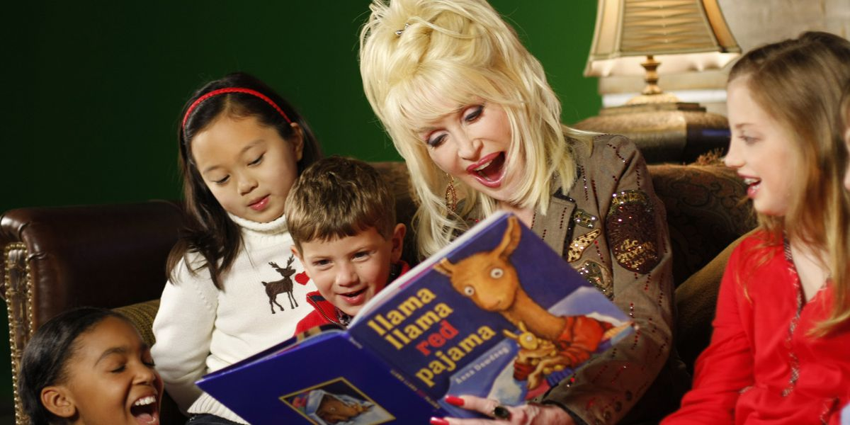 dolly parton reads to kids